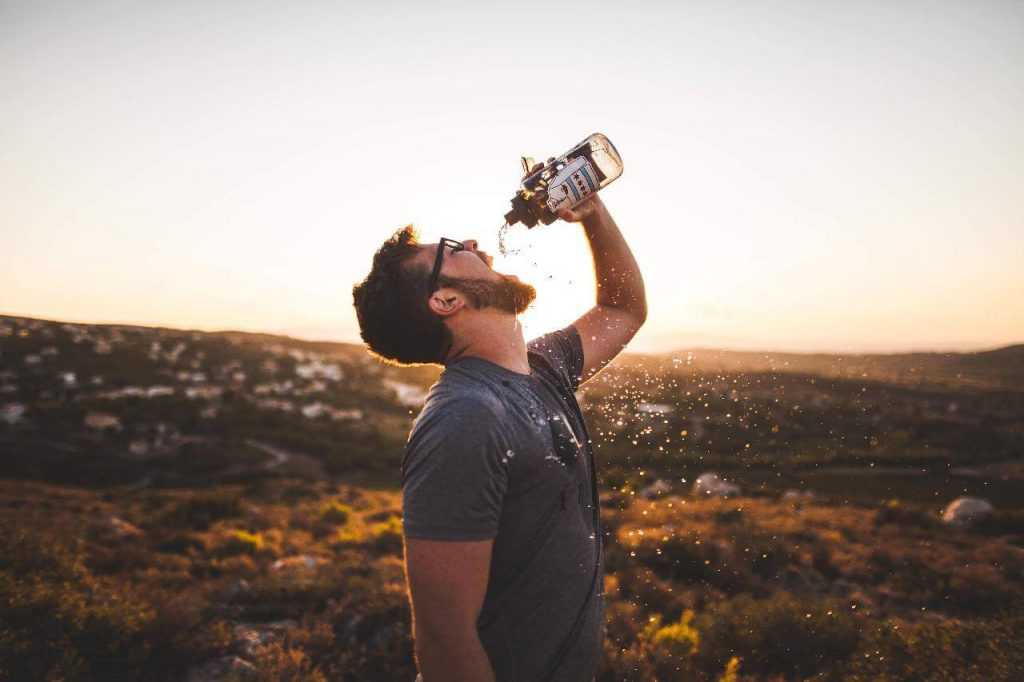Ways To Carry a Water Bottle When Running